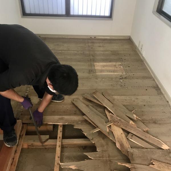 浸水した住宅の床下泥取りについて